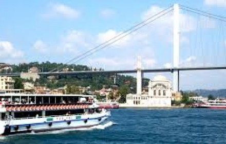 Bosphorus Boat & 2 Continents Tour in Spanish