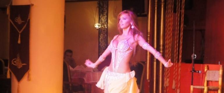 Noche turca y la danza de vientre Mostrar