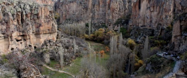 Visita ao Vale Ýhlara e Derinkuyu