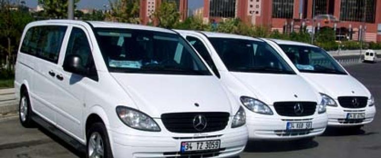 在伊斯坦布尔的汽车与司机的租赁